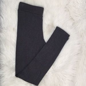3/$18🛍 Lou & Grey Gray Black Leggings